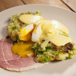 bubble & squeak with ham, poached egg & mustard hollandaise262
